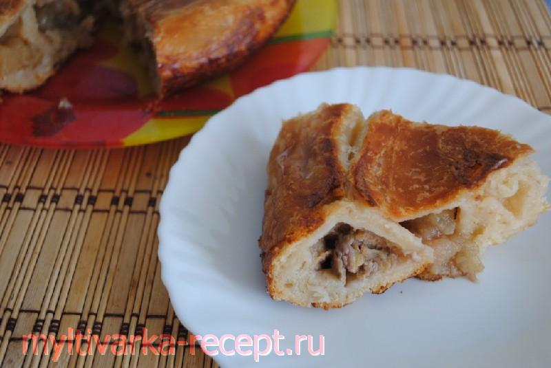 Пирог фруктовый в мультиварке готов
