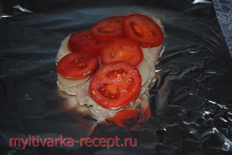 помидоры кладем на рыбу