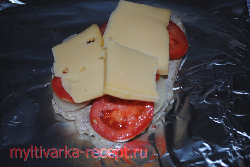 кладем сыр на рыбу